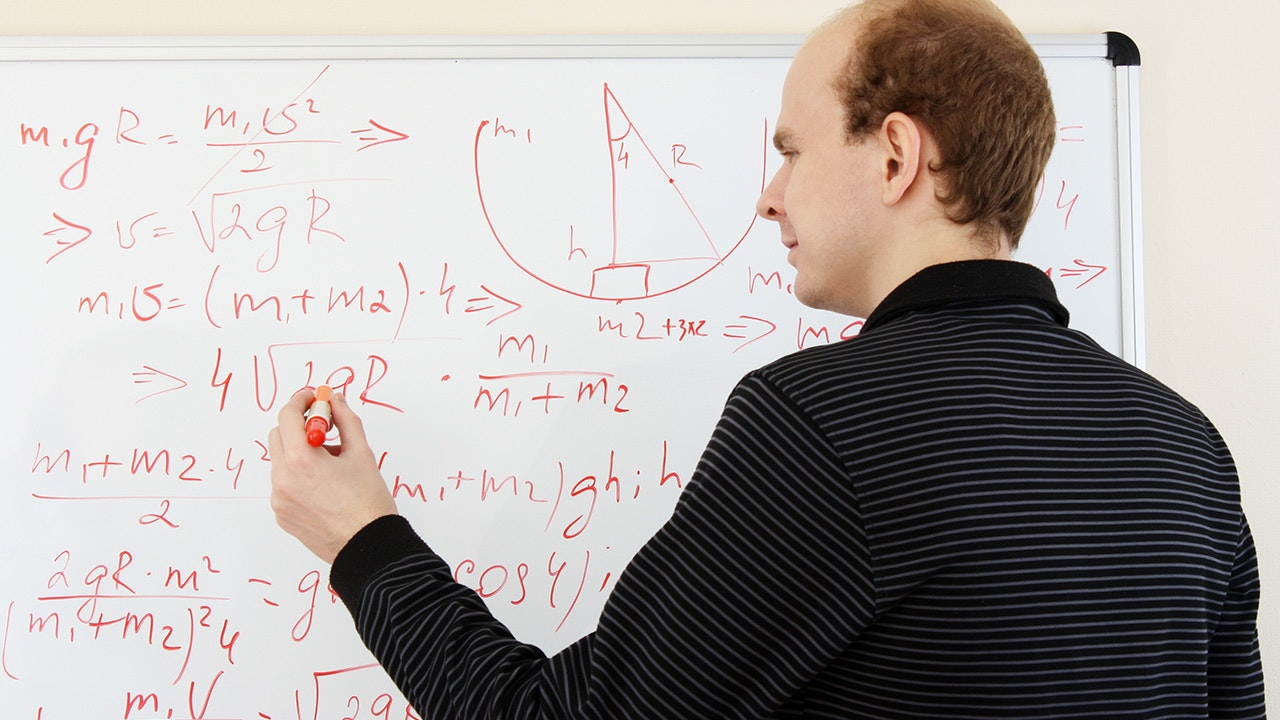 Mathematiker/-in