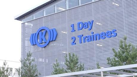 1 Day, 2 Trainees - Ein Tag bei Knorr Bremse
